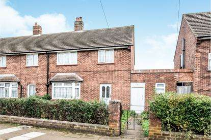 3 Bedrooms End Of Terrace House for sale in Moor Lane, Bedford, Bedfordshire, .