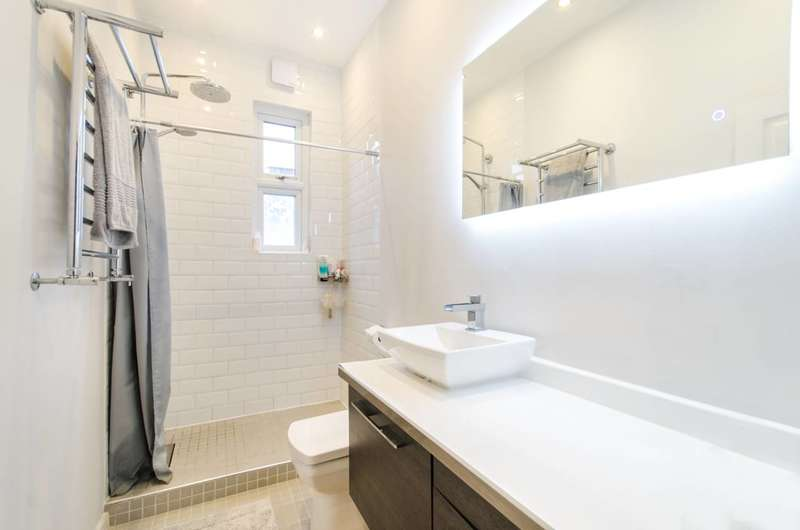 2 Bedrooms Flat for sale in Chapter Road, Willesden Green, NW2