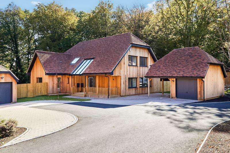 4 Bedrooms Detached House for sale in Plot 2, Manor Place, Steel Cross, Crowborough