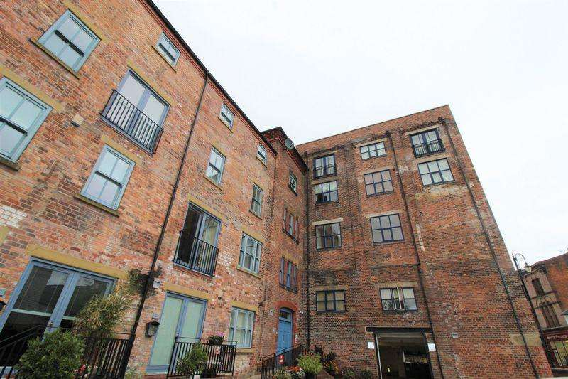2 Bedrooms Apartment Flat for sale in Tuttle Street, Wrexham