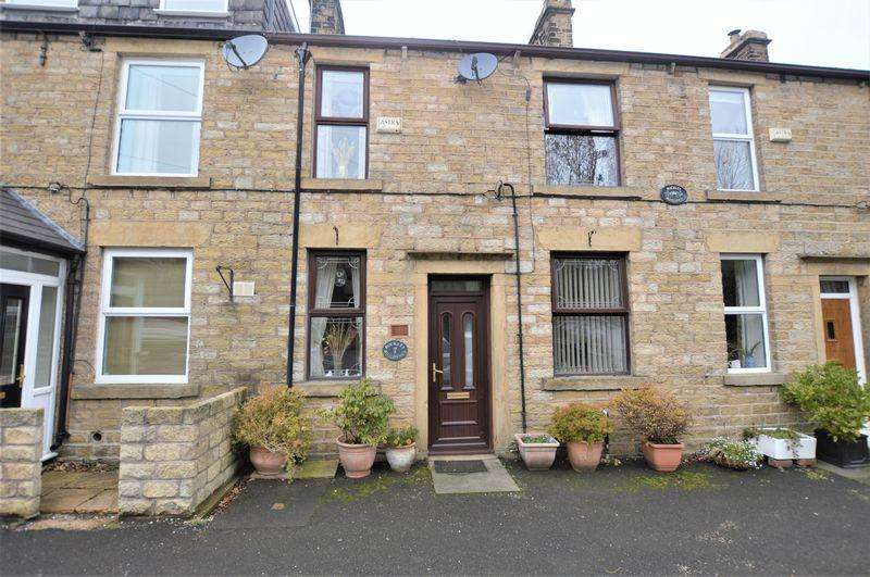 3 Bedrooms Terraced House for sale in Huddersfield Road, Mossley