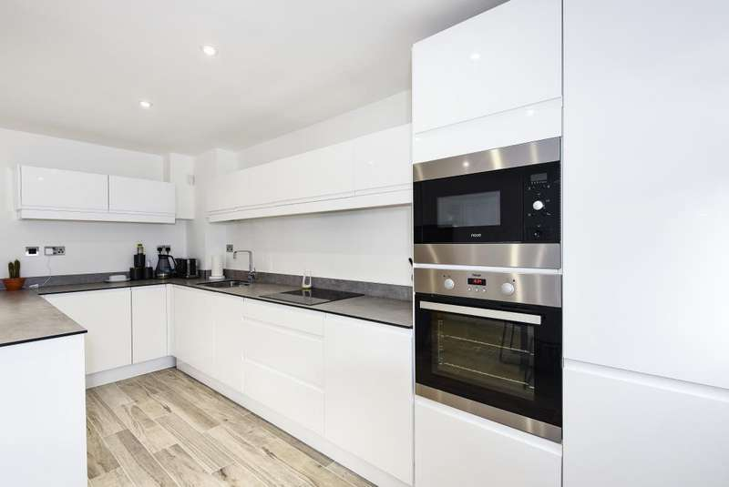 1 Bedroom Maisonette Flat for sale in Wokingham, Berkshire, RG40