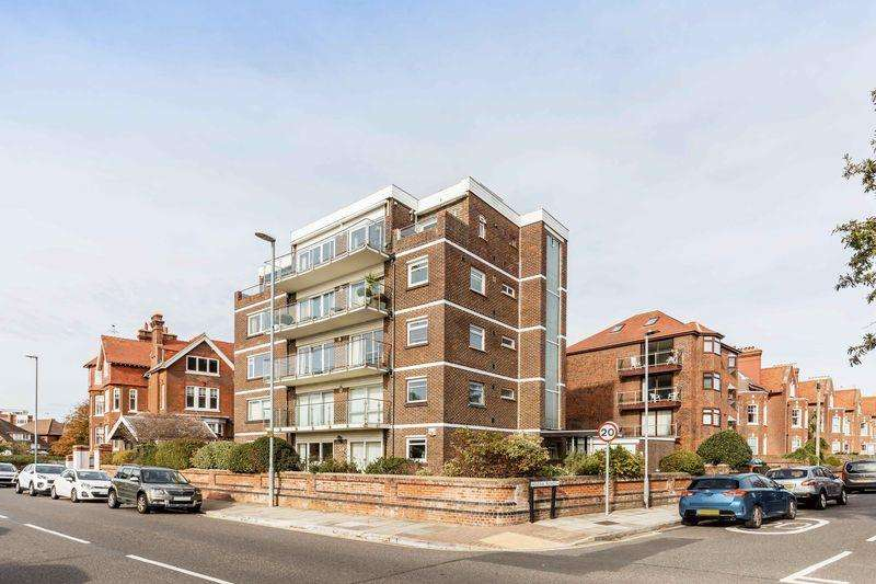 3 Bedrooms Penthouse Flat for sale in Eastern Parade, Southsea