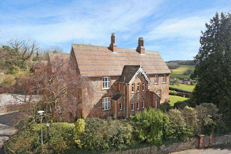 4 Bedrooms Semi Detached House for sale in Upper Breach, South Horrington - NO CHAIN