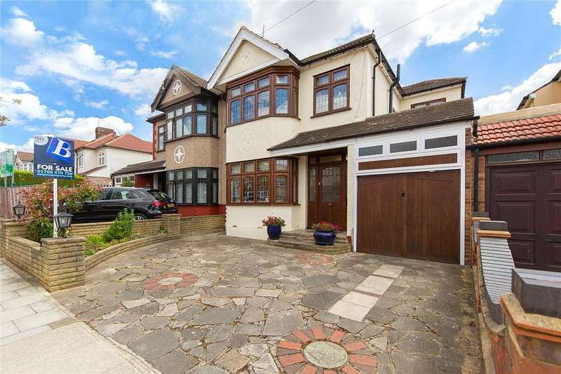 4 Bedrooms Semi Detached House for sale in Goodwood Avenue, Hornchurch, RM12