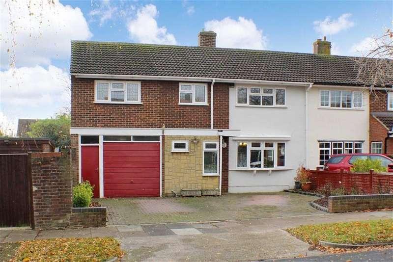 5 Bedrooms Semi Detached House for sale in Flinders Close, St Albans, Hertfordshire