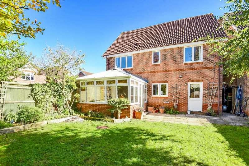 4 Bedrooms House for sale in Mallard Way, Aldermaston, Reading, Berkshire, RG7