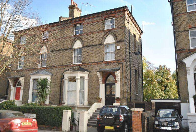 4 Bedrooms Apartment Flat for sale in Ashley Road, London, N19