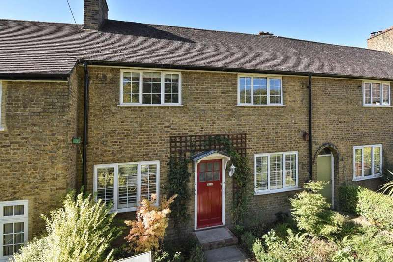 3 Bedrooms Terraced House for sale in Sunray Avenue, Herne Hill