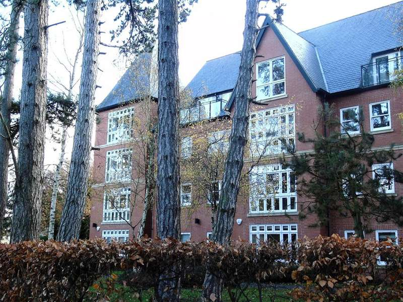 2 Bedrooms Flat for sale in Sterling Place Apartments, Sterling Place, Woodhall Spa, Lincolnshire, LN10 6NU