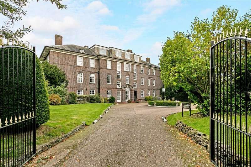 2 Bedrooms Penthouse Flat for sale in Park Lawn, Farnham Royal, SL2