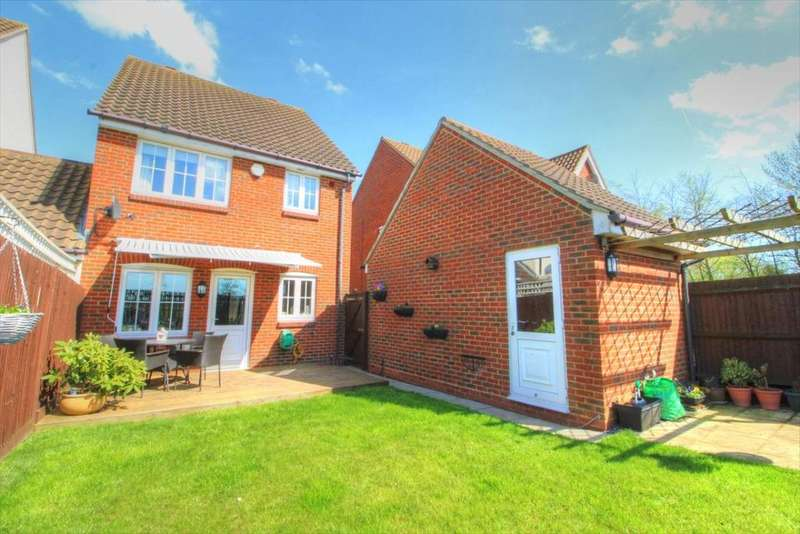 3 Bedrooms Detached House for sale in The Rickyard, Lower Shelton, Bedfordshire, MK43