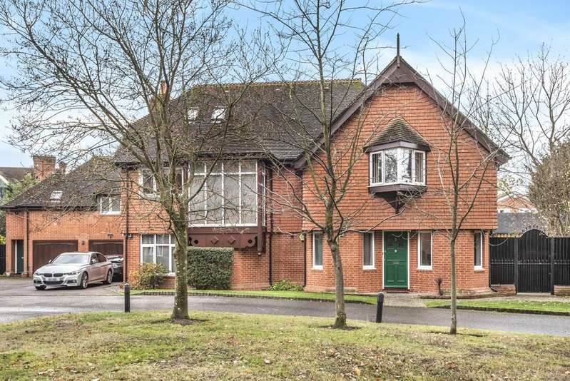 6 Bedrooms Detached House for sale in Ashmead Gate Bromley BR1