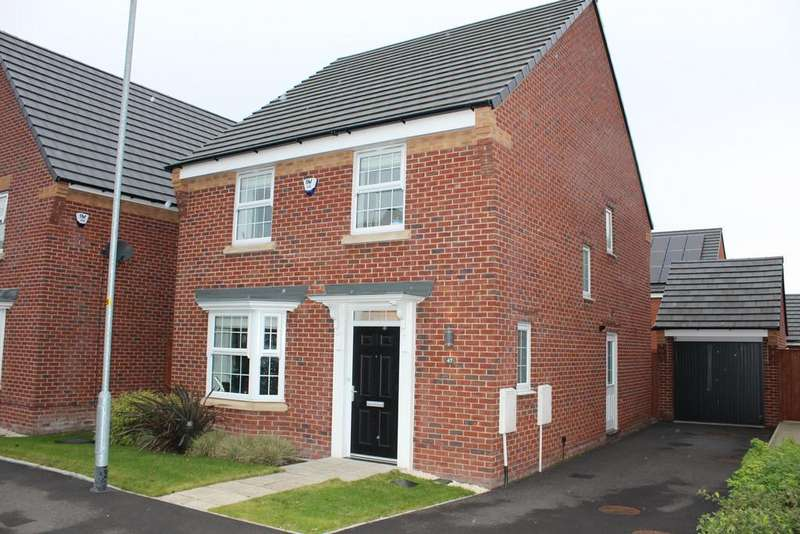 4 Bedrooms Detached House for sale in Wren Way, Kingsway, Rochdale