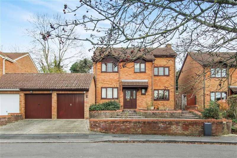 4 Bedrooms Detached House for sale in Fennel Close, Woodhall Park, Swindon
