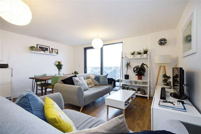 3 Bedrooms Flat for sale in Burke House, Dalston Square, London, E8