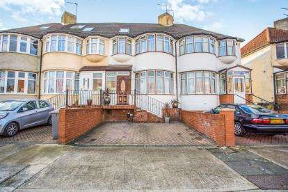 4 Bedrooms Terraced House for sale in The Ridgeway, Colindale, Edgware, London
