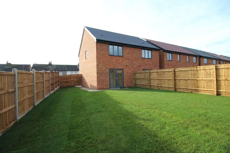 2 Bedrooms Semi Detached House for sale in Hamilton Mews, Queenborough, ME11