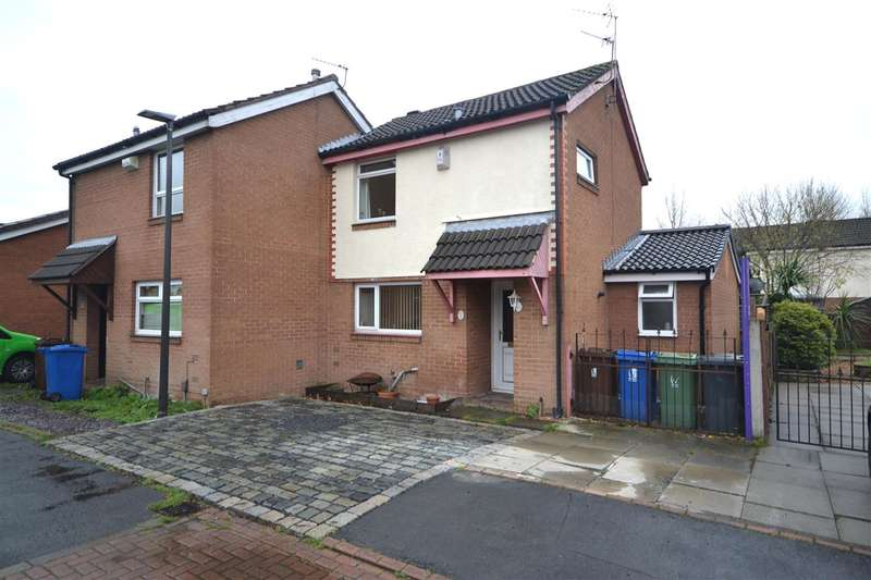3 Bedrooms Semi Detached House for sale in Netherfields, Leigh