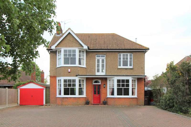 4 Bedrooms Detached House for sale in Frinton Road, Kirby Cross, Frinton-On-Sea