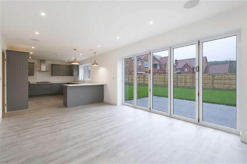 5 Bedrooms Detached House for sale in Plot 12 Berrywood Close, Rochester, Kent
