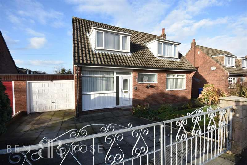 3 Bedrooms Detached House for sale in Crawford Avenue, Chorley