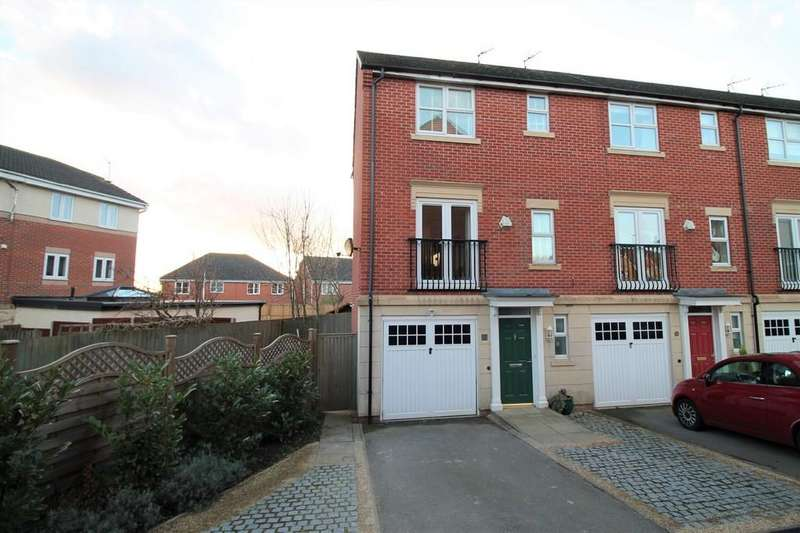 3 Bedrooms Town House for sale in Davies Close, Market Harborough