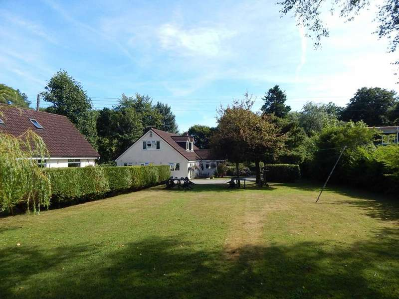 5 Bedrooms Detached House for sale in Charmouth Road, Raymonds Hill, Axminster