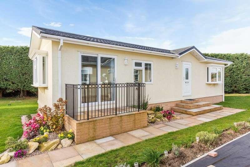 2 Bedrooms Park Home Mobile Home for sale in 40 x 12 Omar Regency, Lincoln Road, Torksey Lock, Lincoln