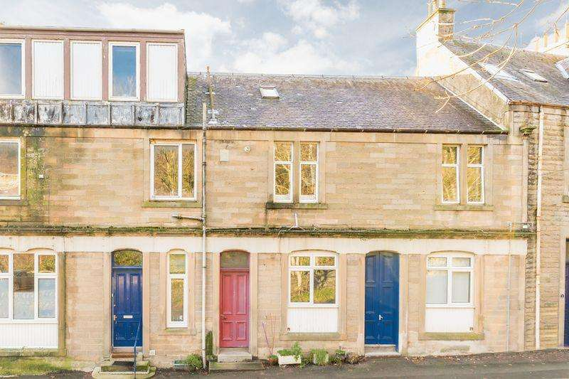 2 Bedrooms Apartment Flat for sale in 2A Peebles Road, Walkerburn, EH43 6AY