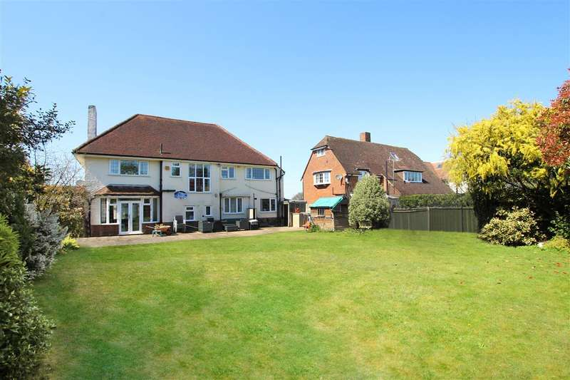 4 Bedrooms Detached House for sale in Littledown Drive, Bournemouth