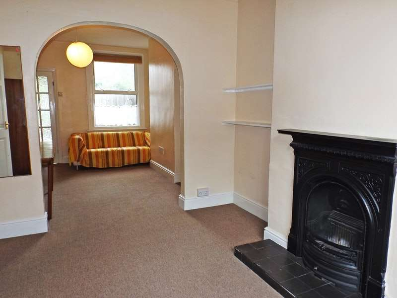 2 Bedrooms Terraced House for sale in William Street, Luton, Bedfordshire, LU2