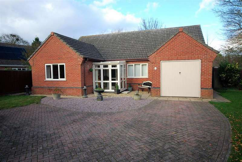 3 Bedrooms Detached Bungalow for sale in Buttercup Paddock, Whaplode, Spalding