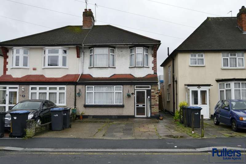 3 Bedrooms Semi Detached House for sale in Mitchell Road, Palmers Green, London N13