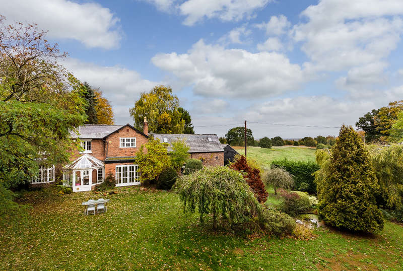 5 Bedrooms Detached House for sale in Smithy Lane, Sandiway