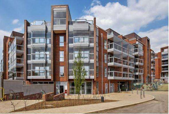 2 Bedrooms Flat for sale in Edgware Road, London, NW2 6GJ