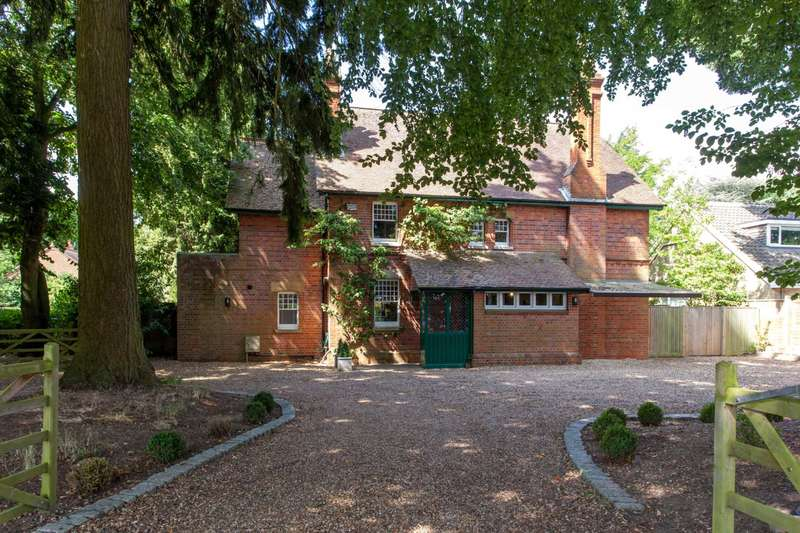 5 Bedrooms Detached House for sale in Conisboro Avenue, Caversham Heights