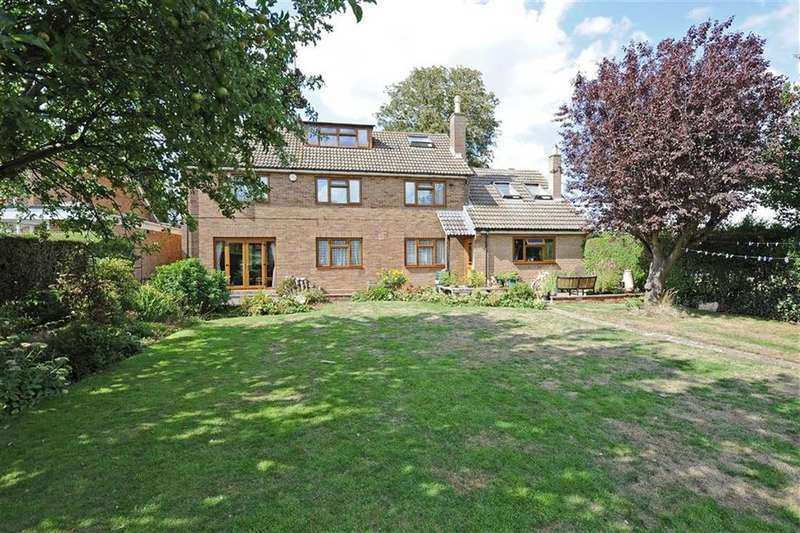 4 Bedrooms Detached House for sale in The Promenade, Wellingborough