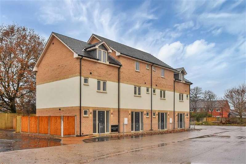 2 Bedrooms Town House for sale in Naval Court, Coulson Road, Lincoln, Lincolnshire