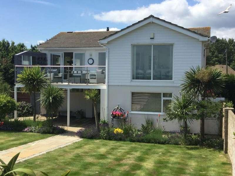 4 Bedrooms Detached House for sale in Coast Road, Littlestone, Kent