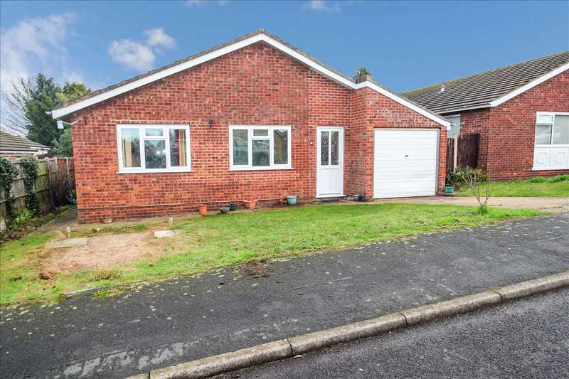 4 Bedrooms Bungalow for sale in Buddleia Drive, Branston, Lincoln