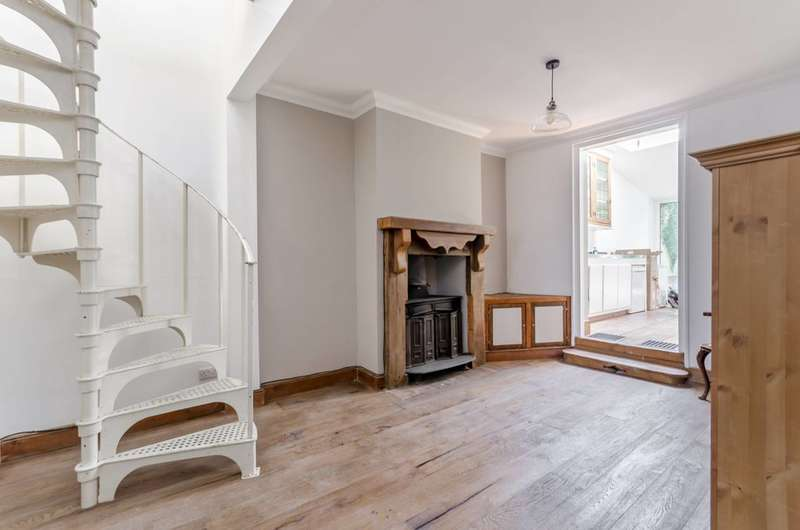 3 Bedrooms Flat for sale in Portland Road, South Norwood, SE25