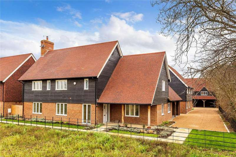 5 Bedrooms Detached House for sale in Malthouse Lane, Horley, Surrey, RH6