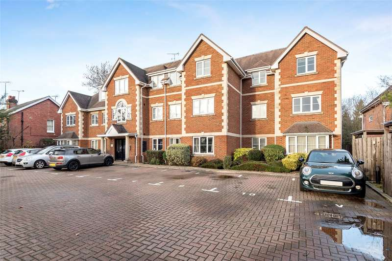 2 Bedrooms Apartment Flat for sale in Heron Court, Yorktown Road, Sandhurst, Berkshire, GU47