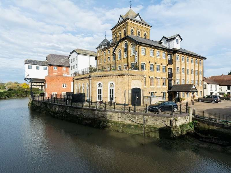2 Bedrooms Apartment Flat for sale in The Mill Apartments, East Street CO1