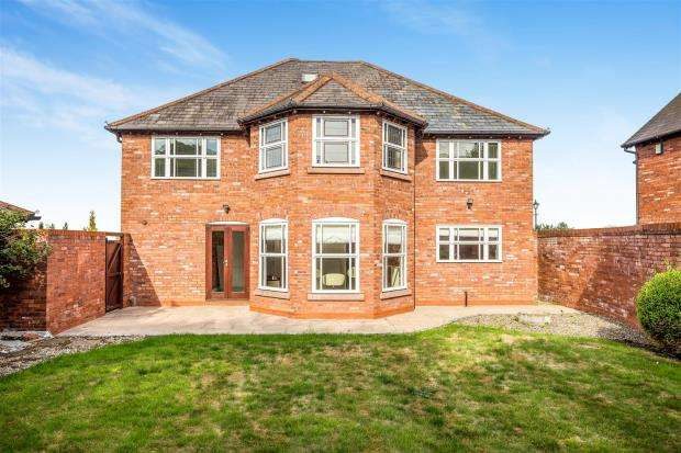5 Bedrooms Detached House for sale in Village Walks, Marford Hill, Marford, Marford