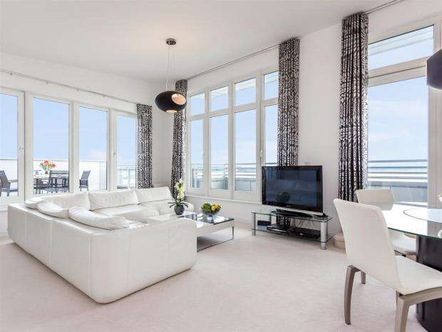 2 Bedrooms Apartment Flat for sale in Guillemot House, Penthouse, 17 Norton Way, Poole