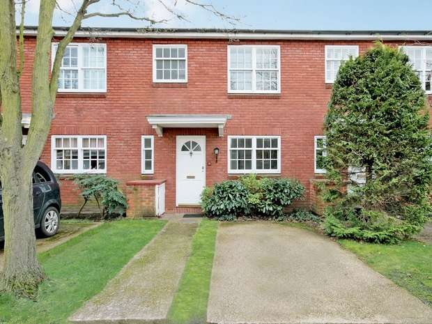 3 Bedrooms Terraced House for sale in Langham Place, Chiswick