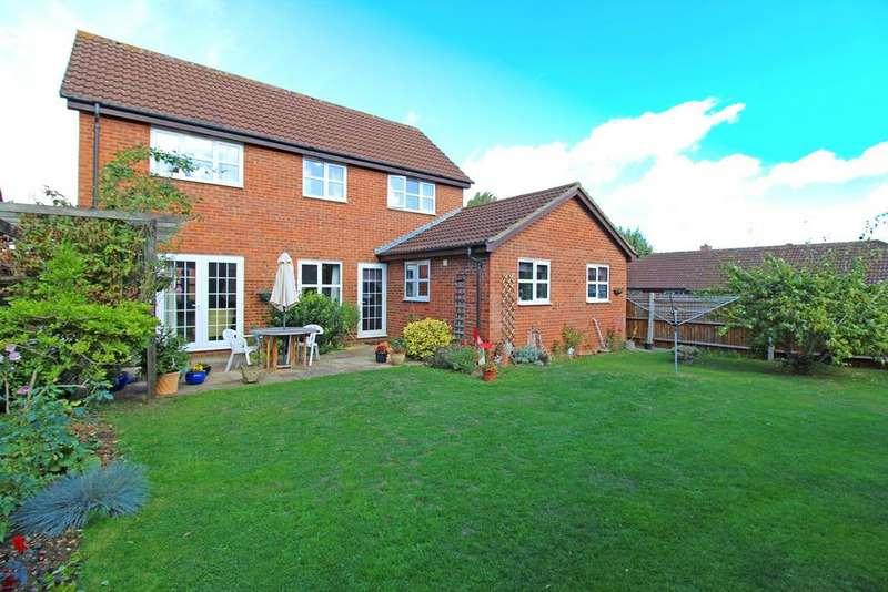 4 Bedrooms Detached House for sale in Parker Close, Letchworth Garden City, SG6