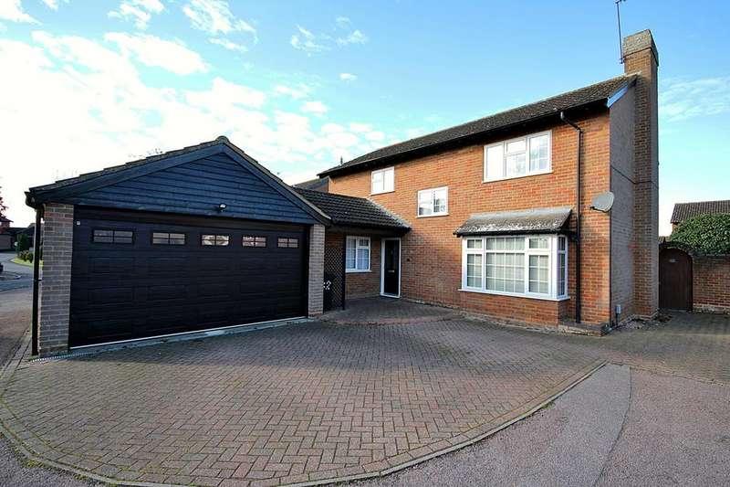 4 Bedrooms Detached House for sale in Queen Elizabeth Close, Shefford, SG17